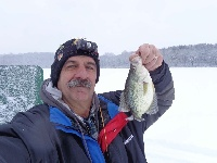 Crappies thru the ice